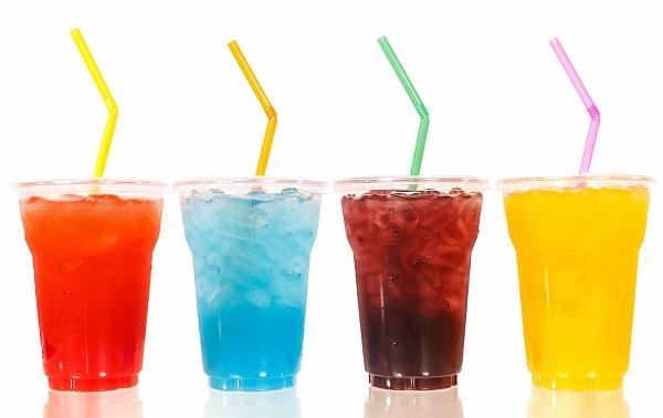 Không nên sử dụng các loại đồ uống khác thay thế nước lọc