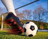 """Bóng đá - Môn thể thao """"vua"""" tiềm ẩn nhiều chấn thương"""