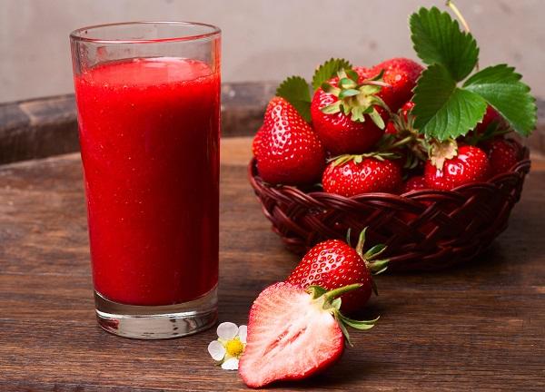 Nước ép dâu tây rất có lợi cho sức khỏe, đặc biệt là người bệnh Gout