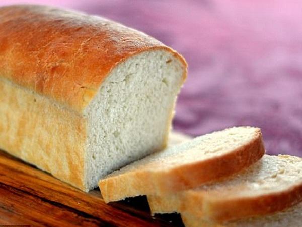 Ăn bánh mì trắng dễ làm lượng đường trong máu tăng. Đồng thời rất dễ gây buồn ngủ