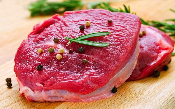 Thịt bò cung cấp sắt và nhiều loại vitamin nhóm B có nhiều tác dụng cho người thiếu máu não