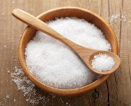 Sạch mụn, sáng da đón Tết nhờ xông mặt bằng nước muối