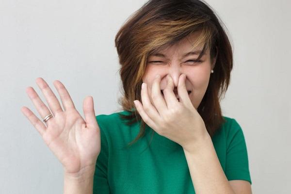 Xuất hiện mùi khó chịu trên cơ thể