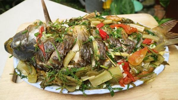 Một trong những món ngon ngày tết dễ làm mà bạn có thể tạo nên để giảm bớt độ ngán cho các thành viên chính là món cá chép om dưa.